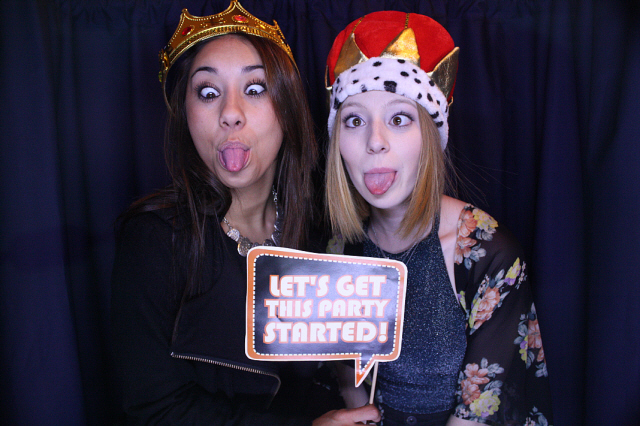 photo-booth-silly-faces